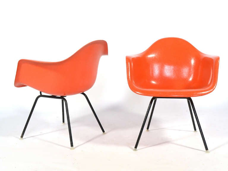 pair of eames fiberglass lounge chairs by herman miller at. Black Bedroom Furniture Sets. Home Design Ideas