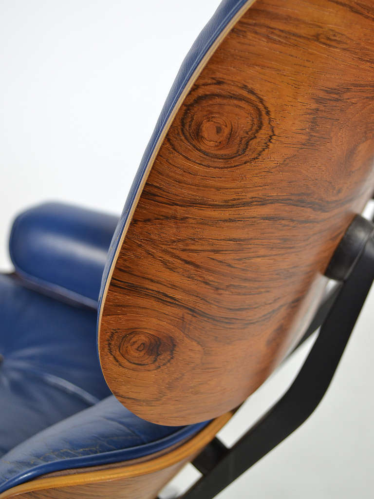 Rare Eames 670 Lounge Chair with Cobalt Blue Leather by Herman Miller 9
