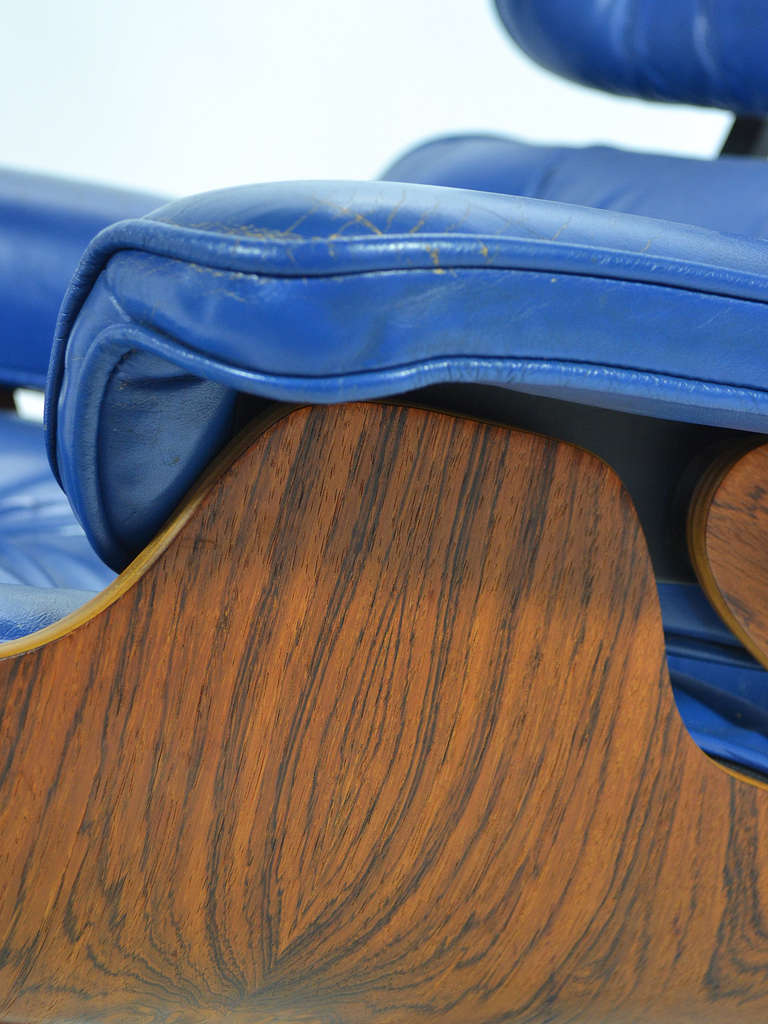 Rare Eames 670 Lounge Chair with Cobalt Blue Leather by Herman Miller 1