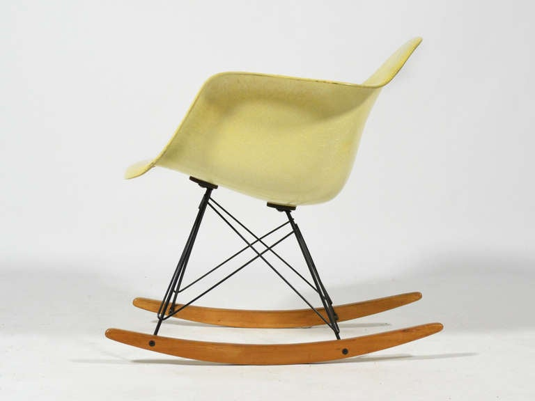 Eames Zenith Rope-Edge RAR Rocker by Herman Miller In Good Condition For Sale In Highland, IN