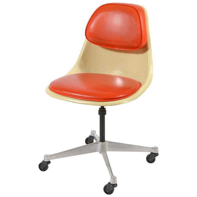 Wonderful Eames Model PSCC 4 Task Chair By Herman Miller For Sale