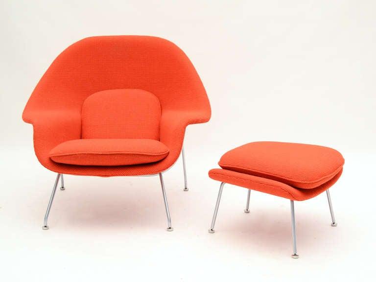 Eero Saarinen womb chair and ottoman in cato fabric 6
