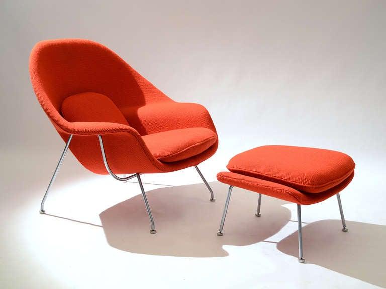 Eero Saarinen womb chair and ottoman in cato fabric 7