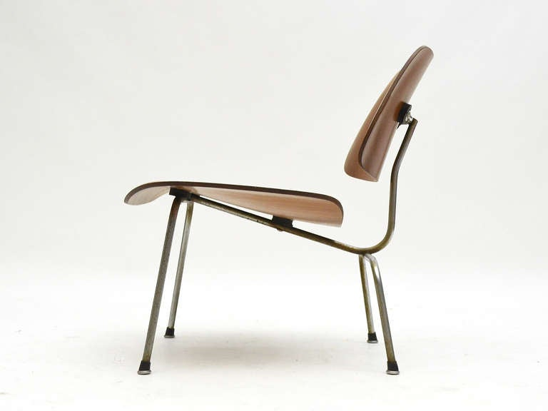 Steel Charles and Ray Eames Walnut LCM Lounge Chair by Herman Miller For Sale
