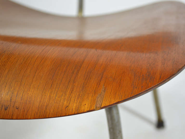 Charles and Ray Eames Walnut LCM Lounge Chair by Herman Miller For Sale 1