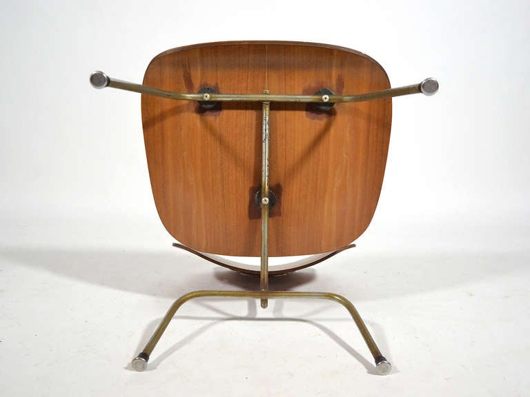 Charles and Ray Eames Walnut LCM Lounge Chair by Herman Miller For Sale 2