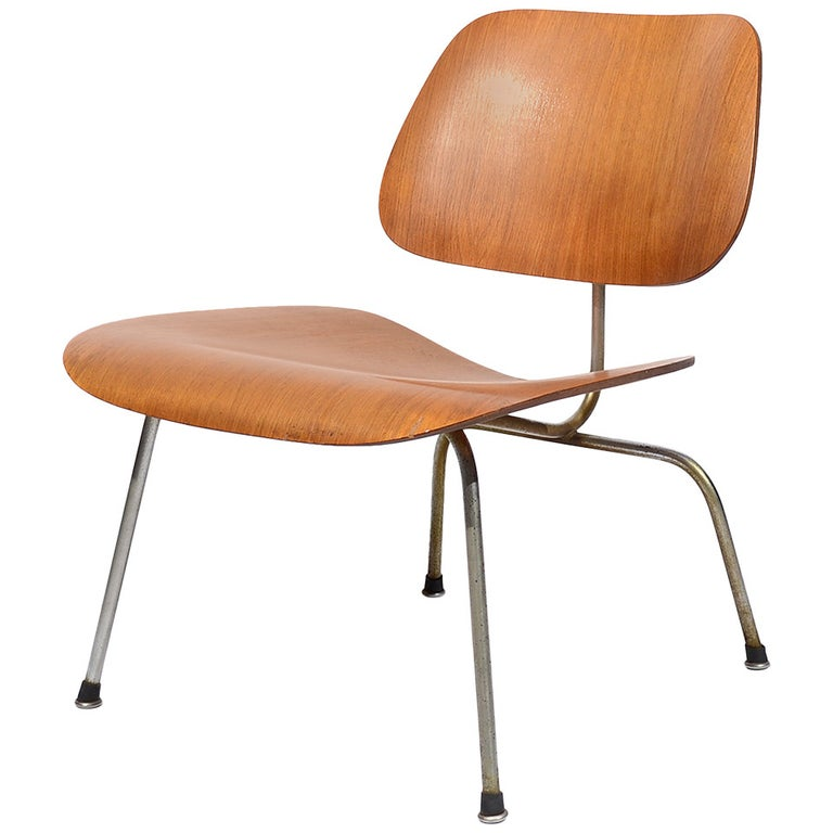 Charles and Ray Eames Walnut LCM Lounge Chair by Herman Miller For Sale
