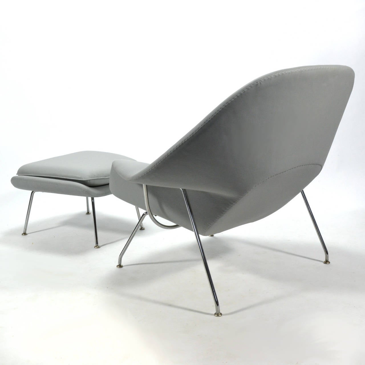this eero saarinen womb chair and ottoman in leather by knoll is no