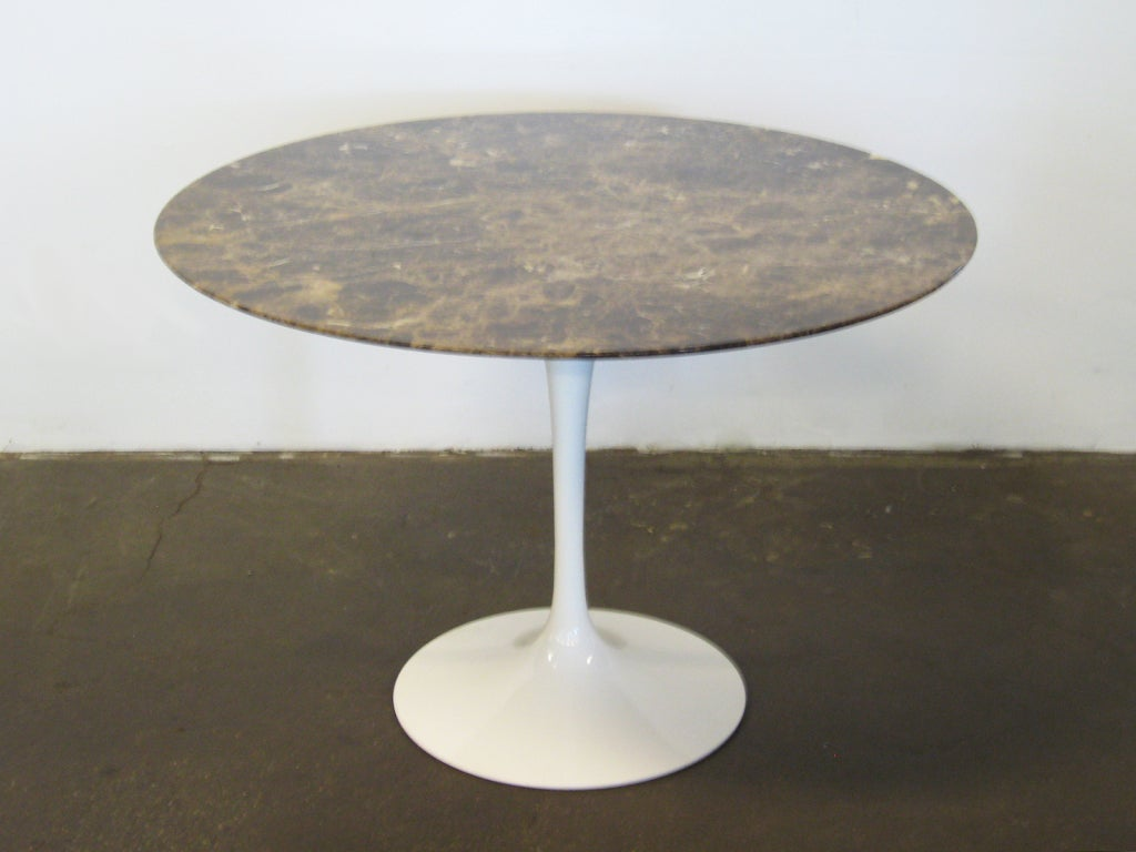 eero saarinen tulip table with marble top by knoll at 1stdibs. Black Bedroom Furniture Sets. Home Design Ideas