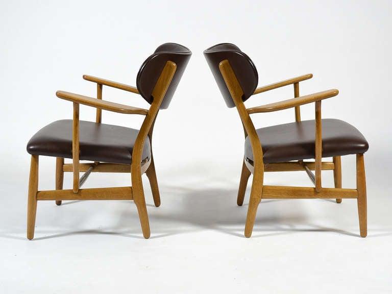 Rare Pair of Hans Wegner CH22 Easy Chairs by Carl Hansen 3