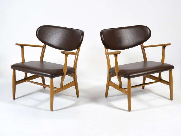 Rare Pair of Hans Wegner CH22 Easy Chairs by Carl Hansen 4