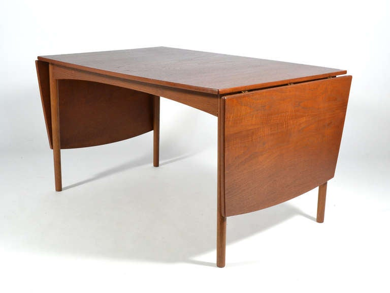 Teak Drop-Leaf Table by Børge Mogensen In Good Condition For Sale In Highland, IN