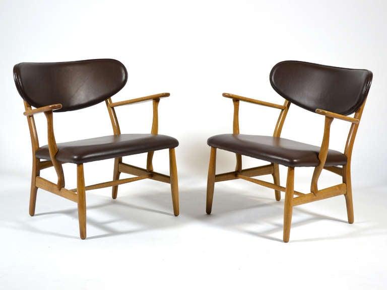 Rare Pair of Hans Wegner CH22 Easy Chairs by Carl Hansen 5