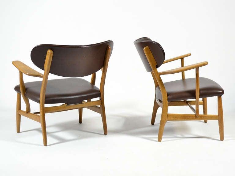 Rare Pair of Hans Wegner CH22 Easy Chairs by Carl Hansen 7