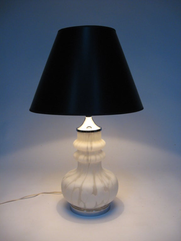 Laurel Table Lamp with Italian Glass Base For Sale 4