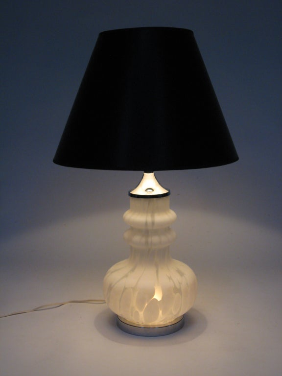 Laurel Table Lamp with Italian Glass Base For Sale 5