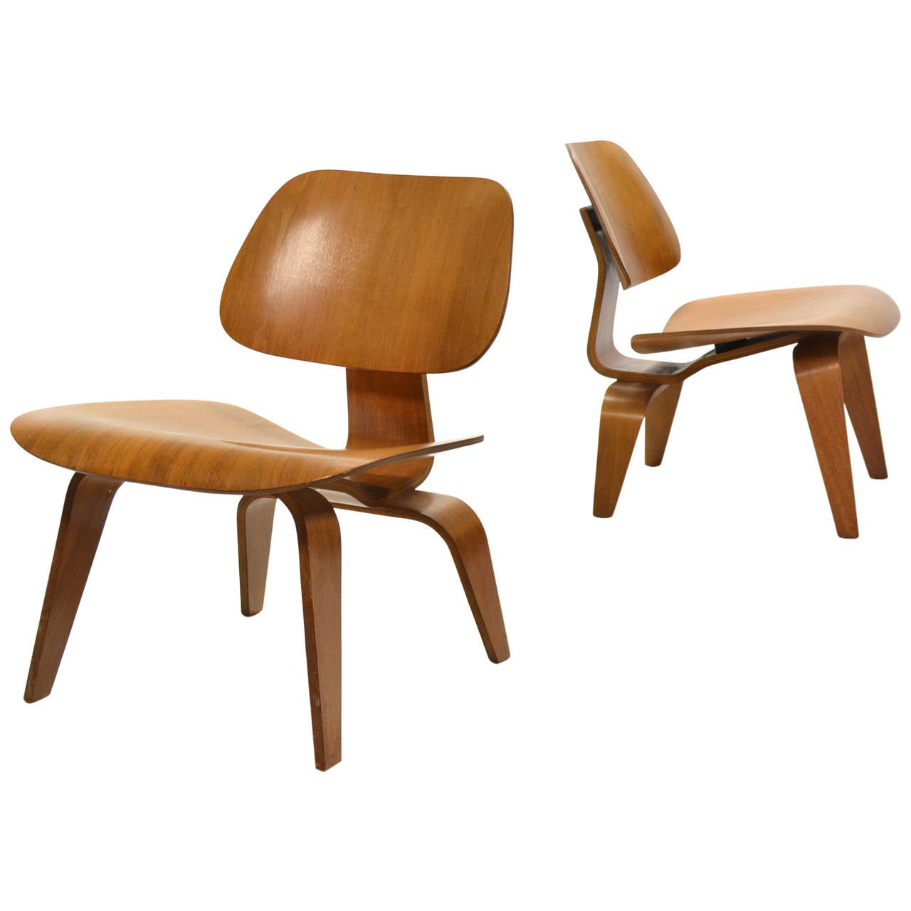 eames rare matched pair of walnut lcw lounge chairs for. Black Bedroom Furniture Sets. Home Design Ideas