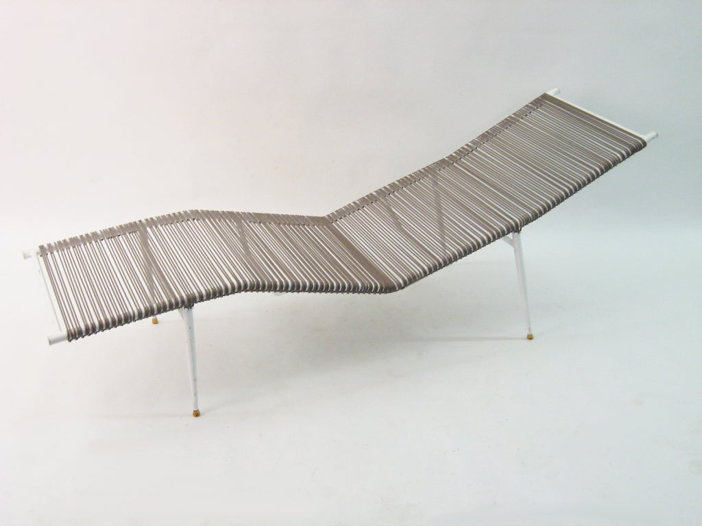 Pair of mallin outdoor chaise lounges at 1stdibs for Chaise lounge construction