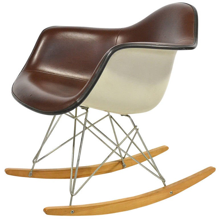 eames baby rocker rar by herman miller for sale at 1stdibs. Black Bedroom Furniture Sets. Home Design Ideas