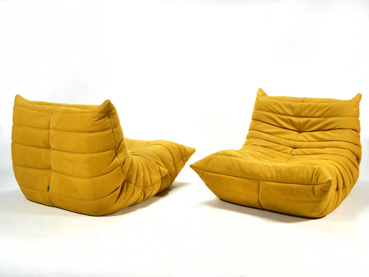 Pair of michel ducaroy togo lounge chairs by ligne roset for Housse togo ligne roset