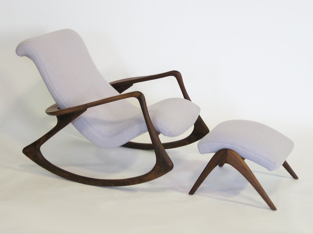 contour rocking chair and ottoman by vladimir kagan at 1stdibs. Black Bedroom Furniture Sets. Home Design Ideas