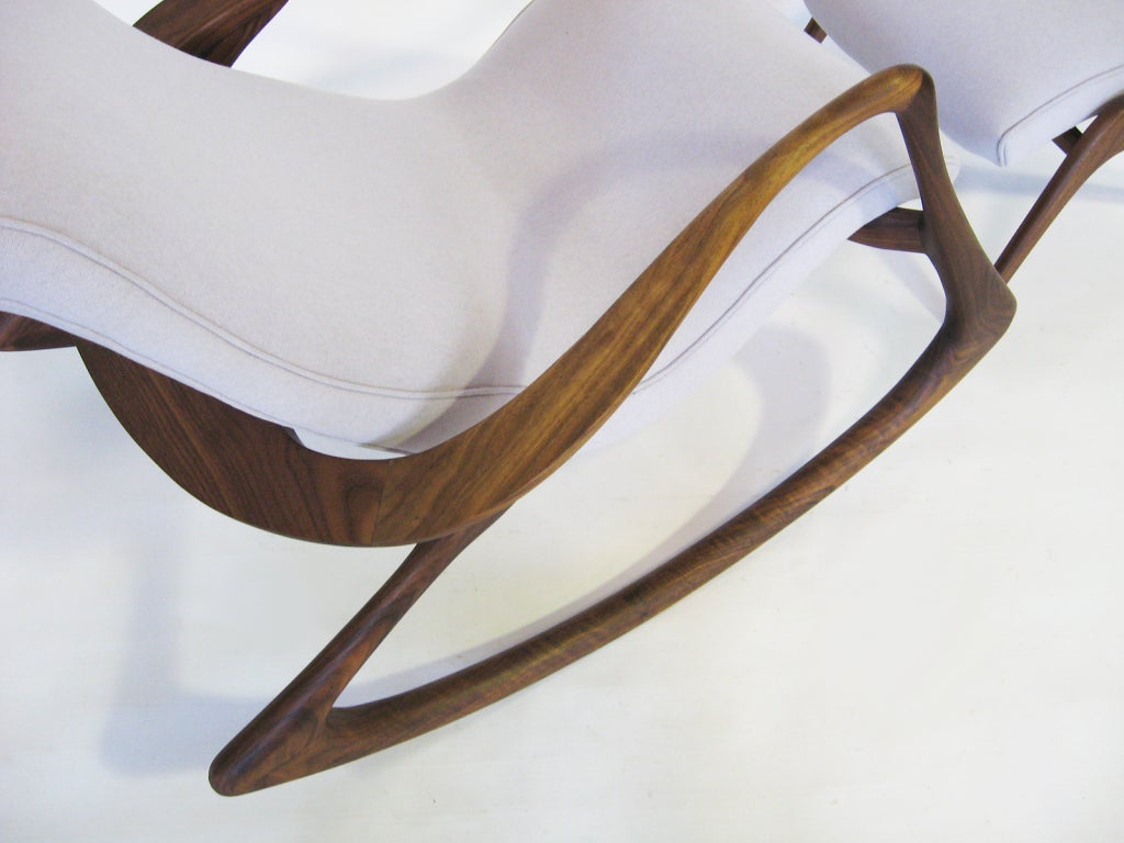 Contour rocking chair and ottoman by Vladimir Kagan In Excellent Condition In Highland, IN