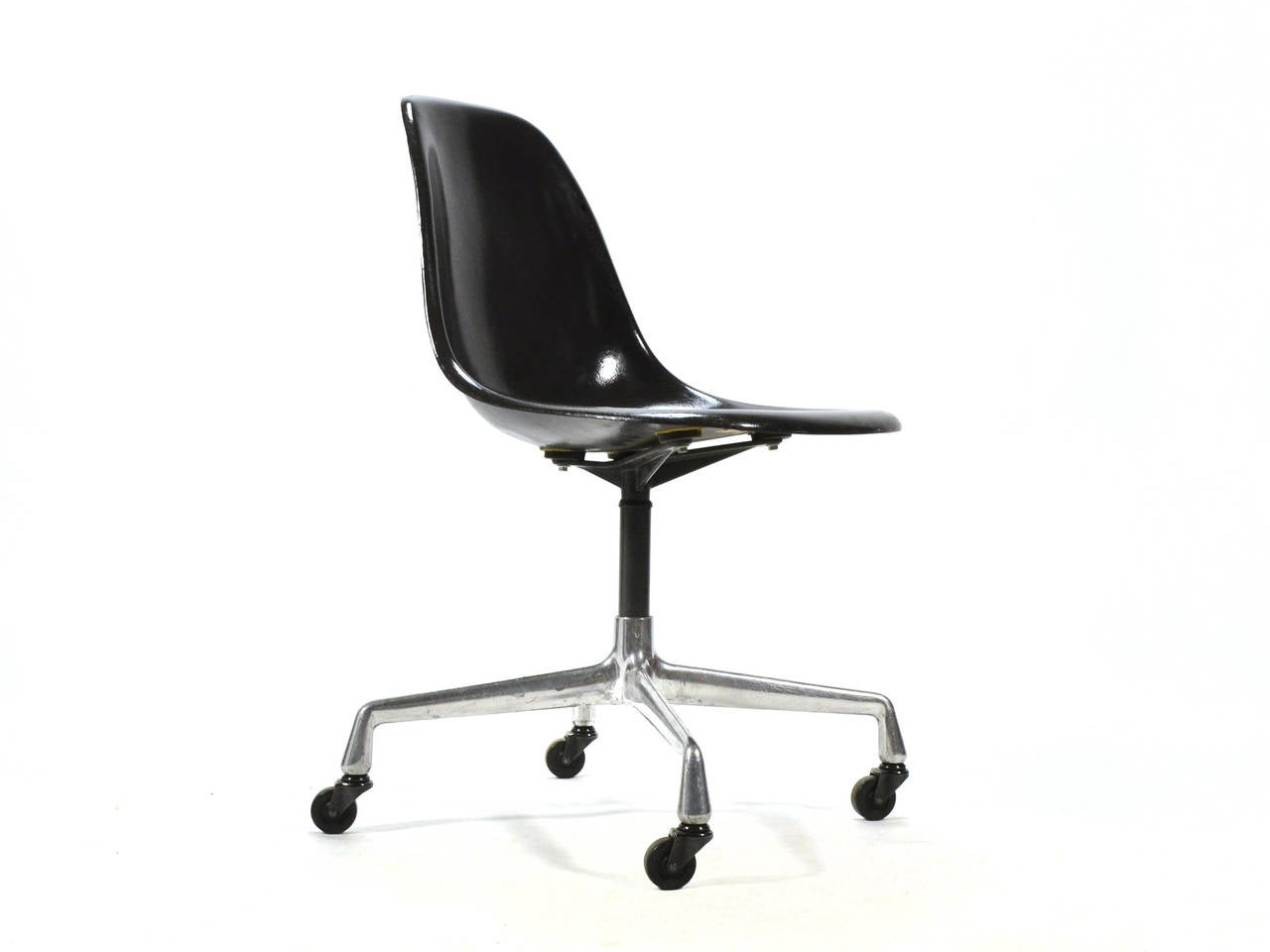 Eames PSC Fiberglass Side Chairs By Herman Miller Set Of 12 Or More For Sale