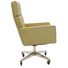 Vincent Cafiero executive task chair by Knoll