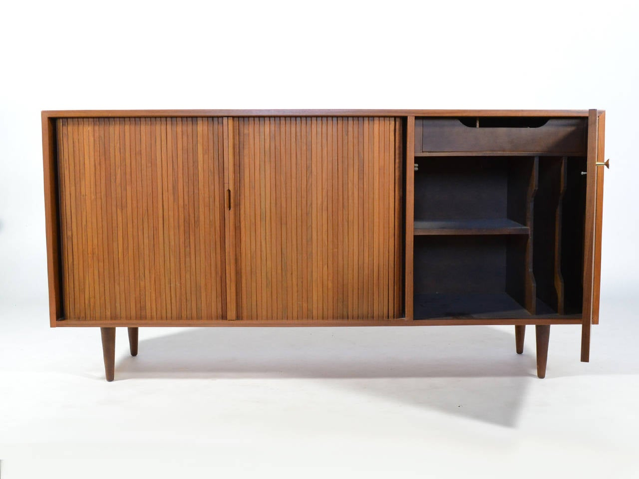 Mid-Century Modern Milo Baughman Credenza by Glenn of California For Sale