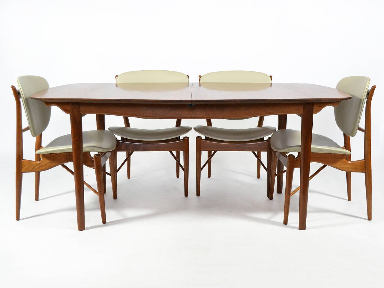 Mid-20th Century Finn Juhl Dining Table and Chairs For Sale