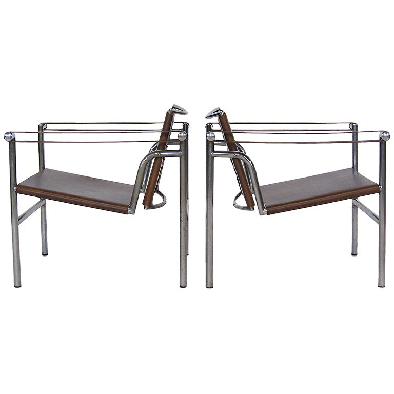 Pair of Le Corbusier LC1 lounge chairs For Sale