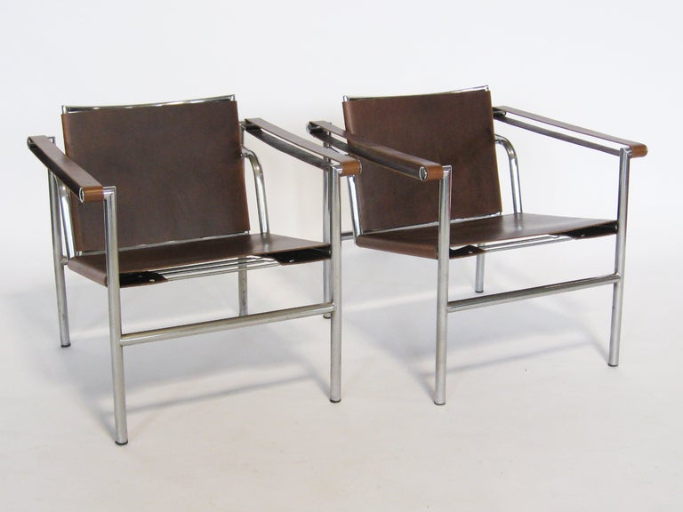Swiss Pair of Le Corbusier LC1 lounge chairs For Sale