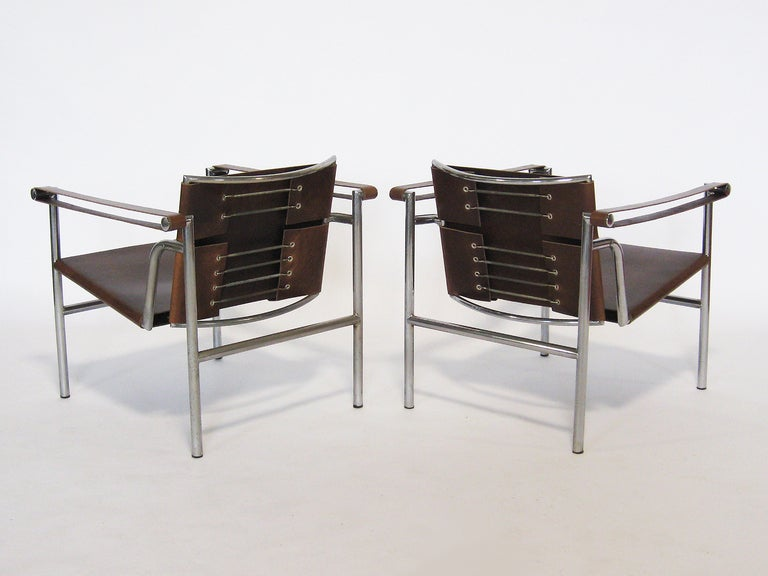 Pair of Le Corbusier LC1 lounge chairs In Good Condition For Sale In Highland, IN