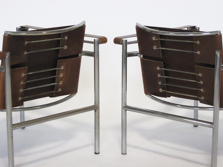 Mid-20th Century Pair of Le Corbusier LC1 lounge chairs For Sale