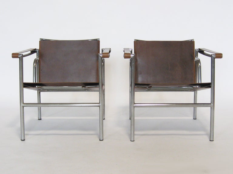 Pair of Le Corbusier LC1 lounge chairs For Sale 1