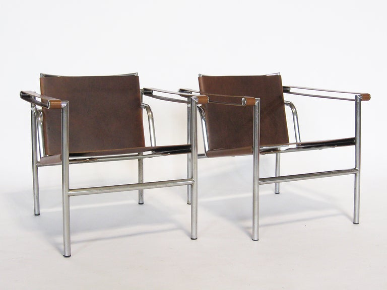 Pair of Le Corbusier LC1 lounge chairs For Sale 3
