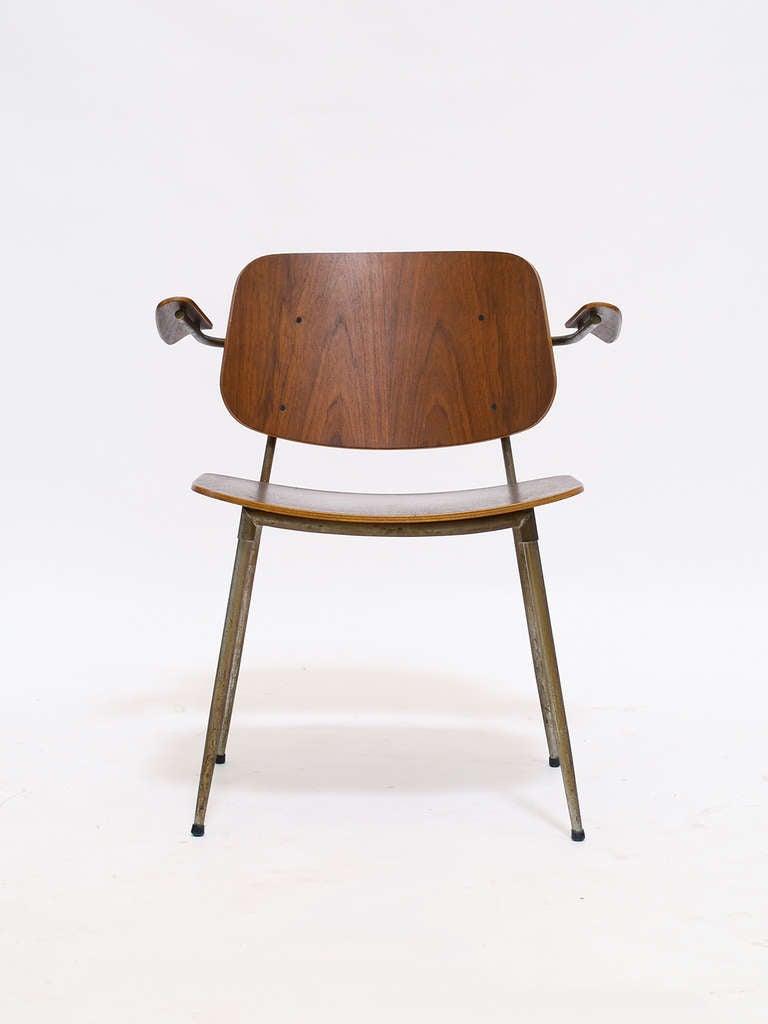 Scandinavian Modern Børge Mogensen Armchair For Sale