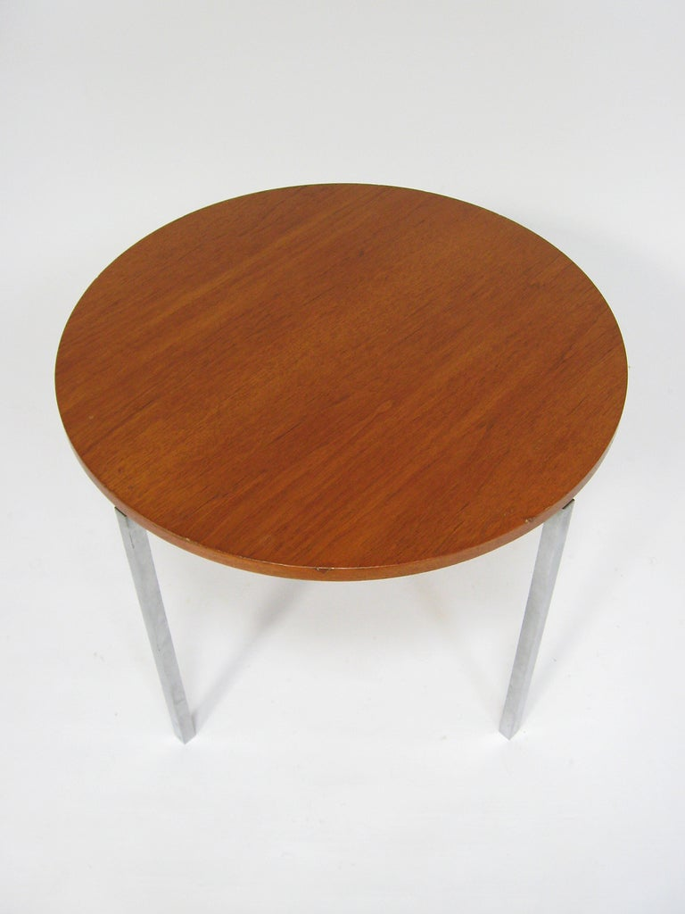 Mid-Century Modern Florence Knoll Side/ End Table by Knoll For Sale