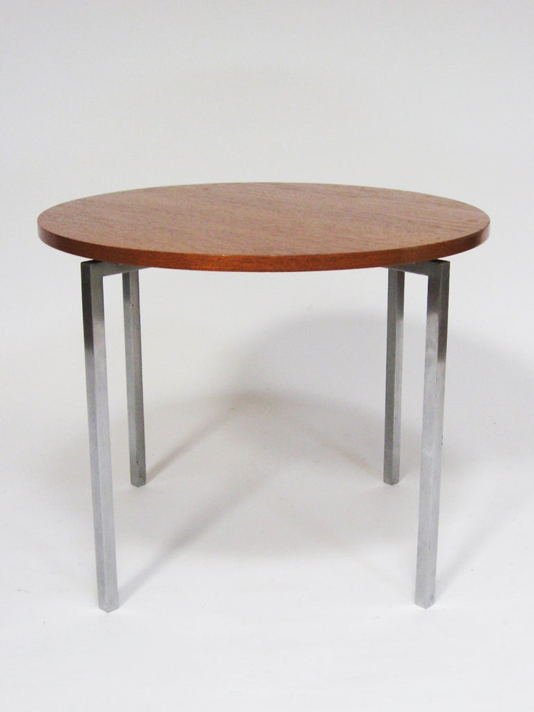 Florence Knoll Side/ End Table by Knoll In Good Condition For Sale In Highland, IN