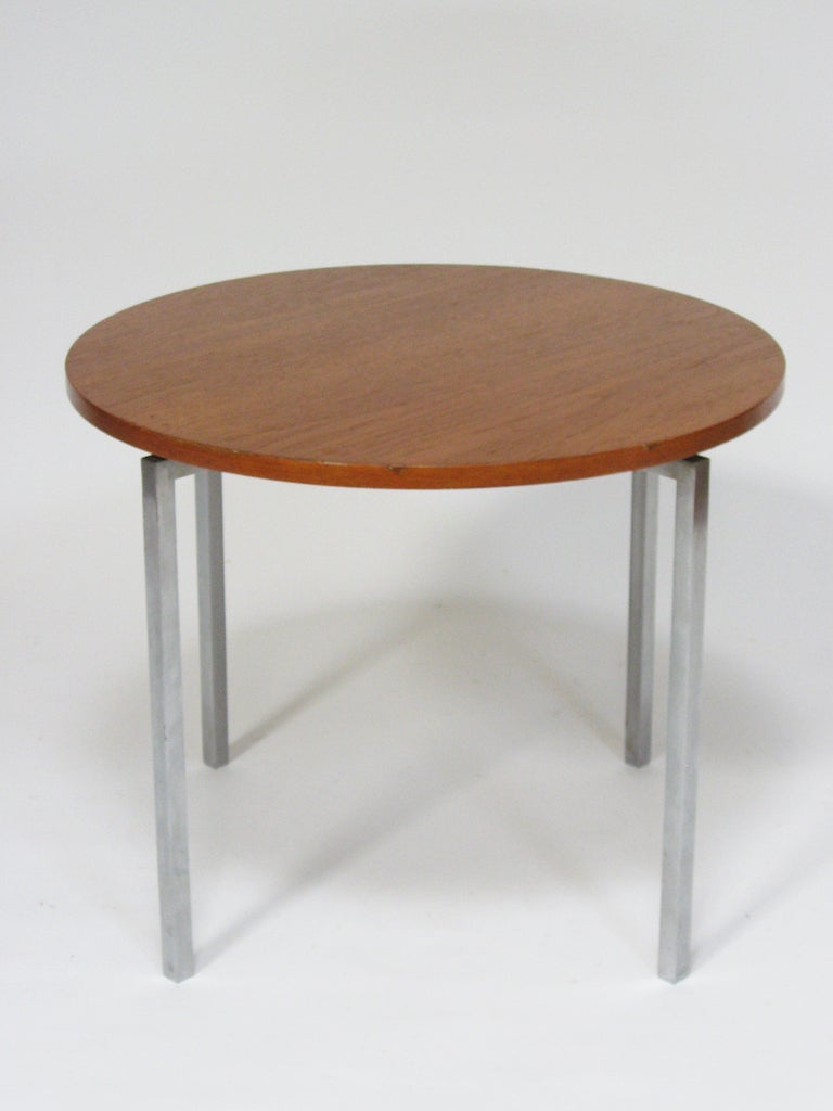 Florence Knoll Side/ End Table by Knoll For Sale 1