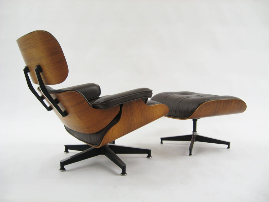 American Eames rosewood & brown leather lounge & ottoman by Herman Miller For Sale