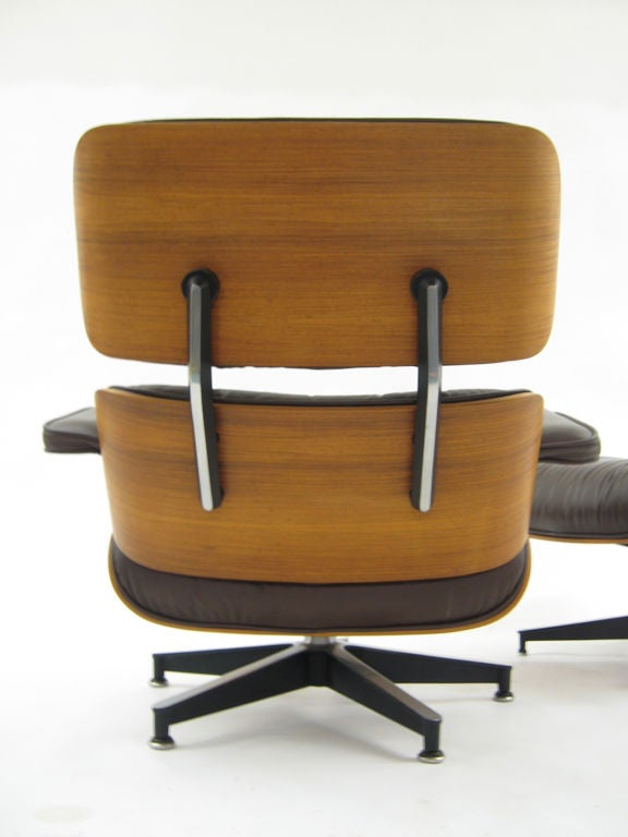 Eames rosewood & brown leather lounge & ottoman by Herman Miller For Sale 2
