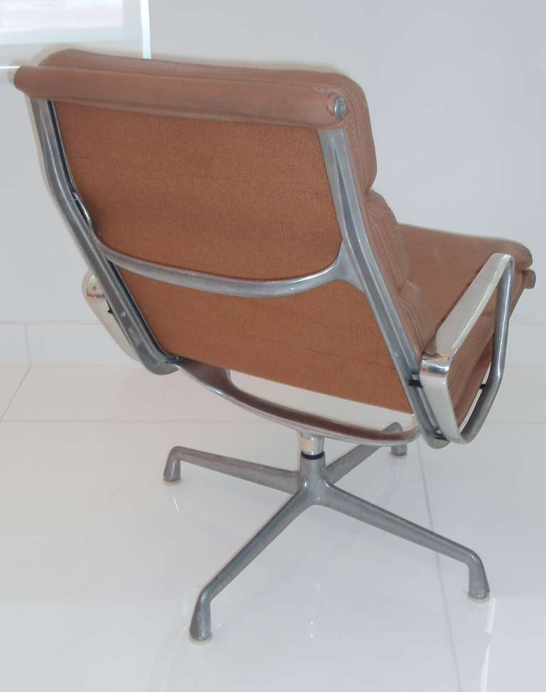 modern original charles and ray eames office chair at 1stdibs. Black Bedroom Furniture Sets. Home Design Ideas