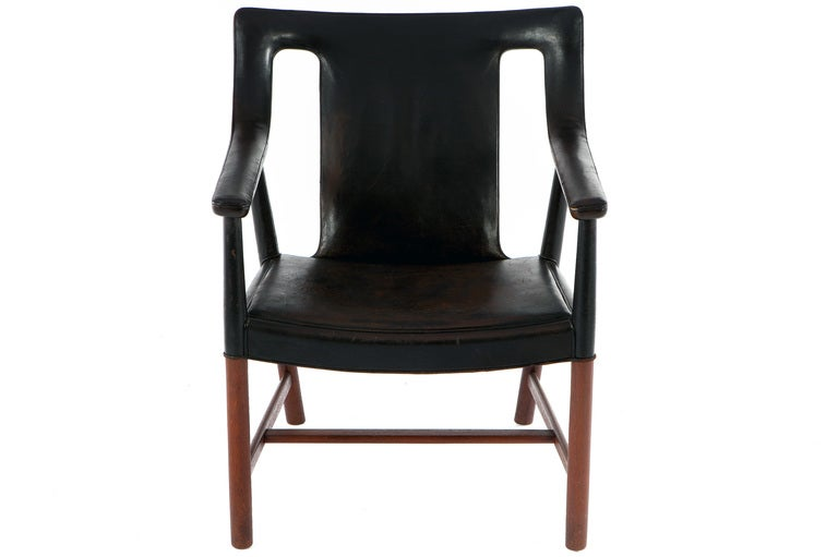 Lounge Chair by Ejner Larsen & A. Bender Madsen In Good Condition For Sale In Pawtucket, RI