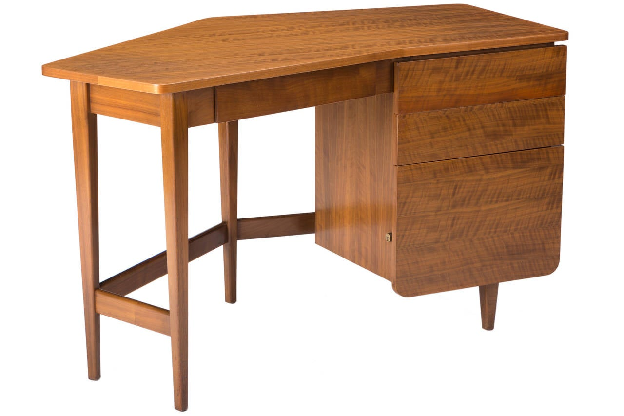 Mid-Century Modern Desk by Bertha Schaefer for Singer and Sons For Sale