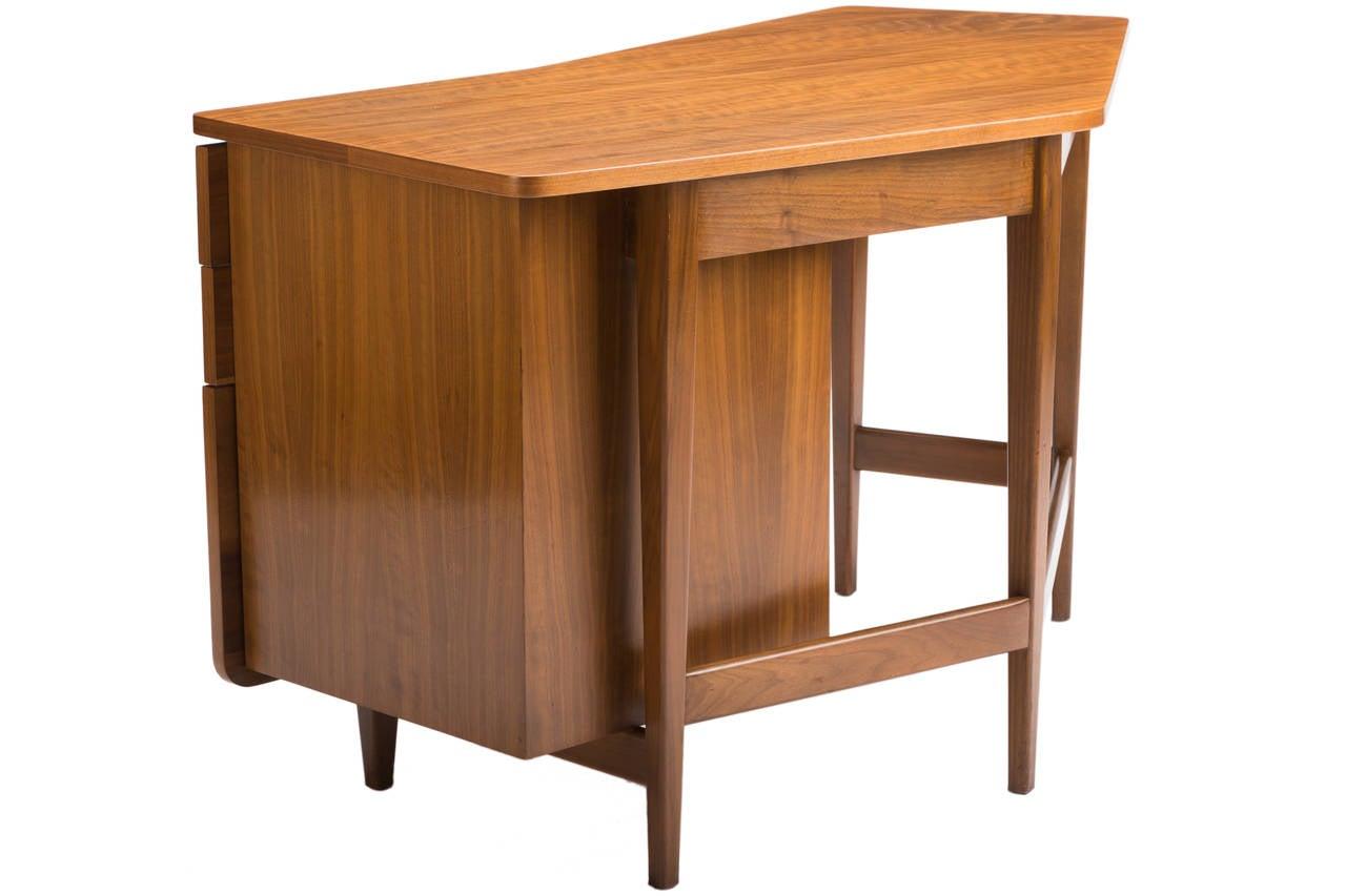 Italian Desk by Bertha Schaefer for Singer and Sons For Sale
