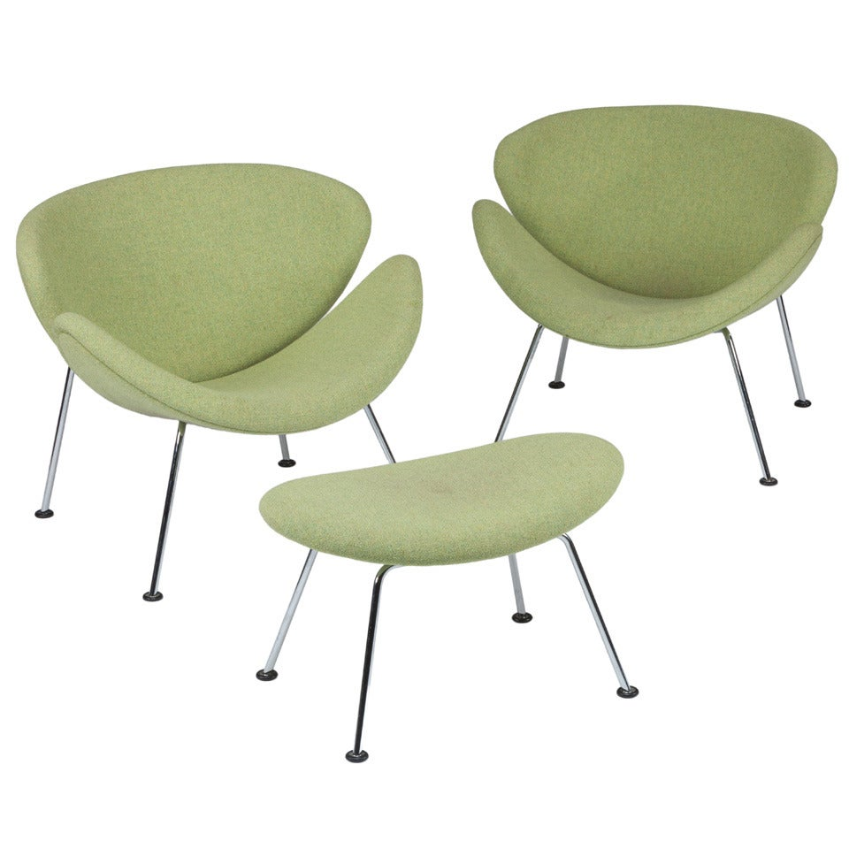 """Pair of Pierre Paulin """"Orange Slice"""" Chairs with Ottoman for Artifort"""