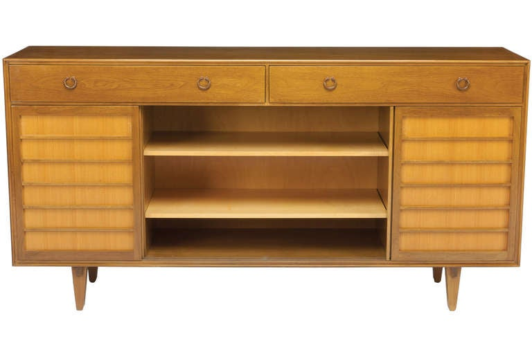 Credenza by Edward Wormley for Dunbar In Good Condition For Sale In Pawtucket, RI