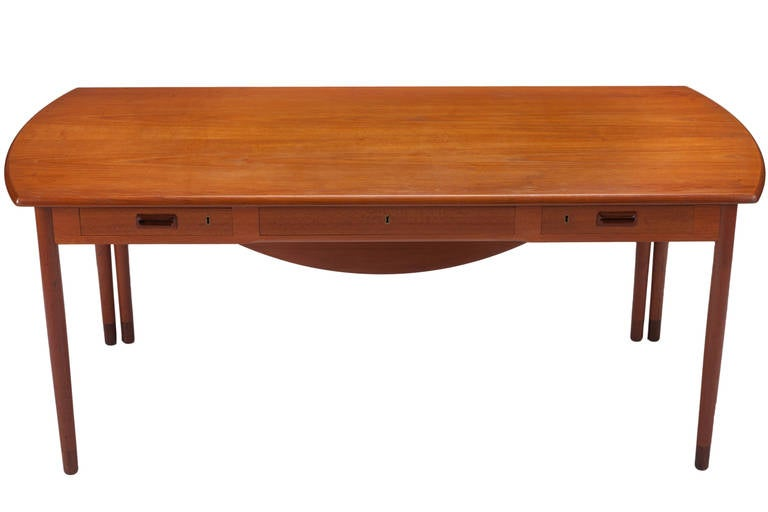 Mid-Century Modern Desk by A. Bender Madsen and Ejner Larsen for Willy Beck Cabinetmaker For Sale