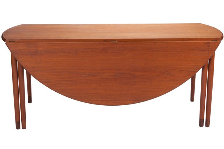 Rosewood Desk by A. Bender Madsen and Ejner Larsen for Willy Beck Cabinetmaker For Sale